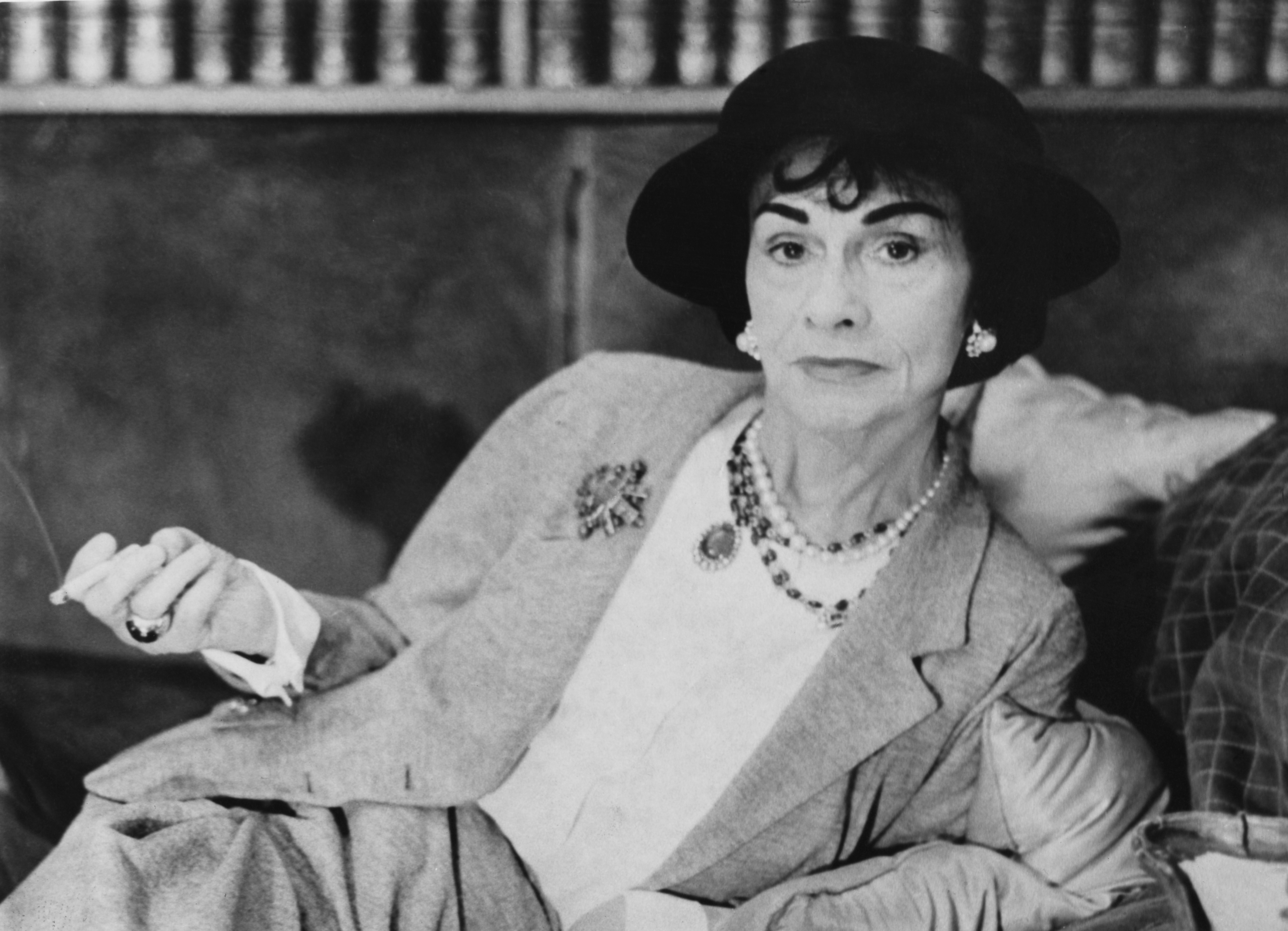 coco-chanel-portrait-1962-1363297901.jpg
